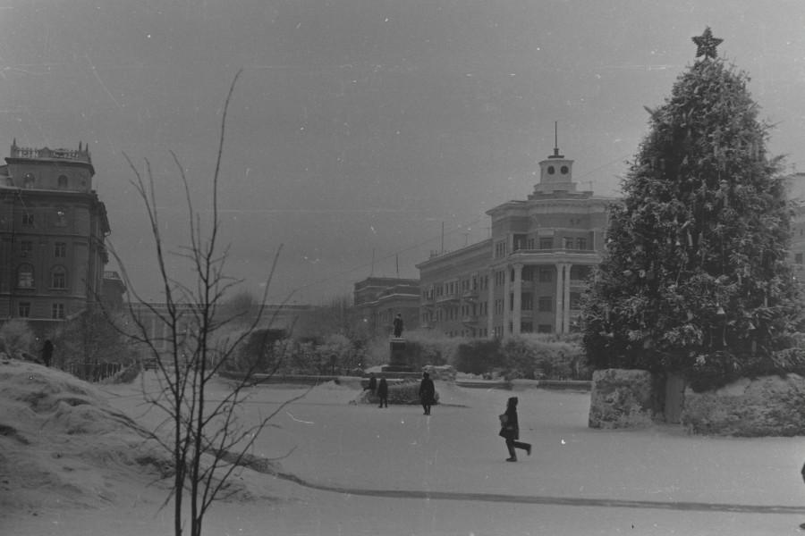 Ёлка на площади Пушкина