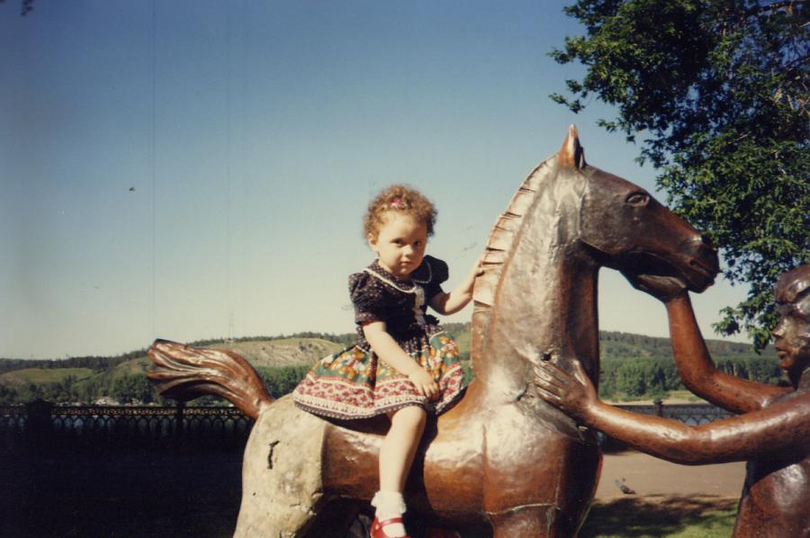 Лошадка на набережной Томи