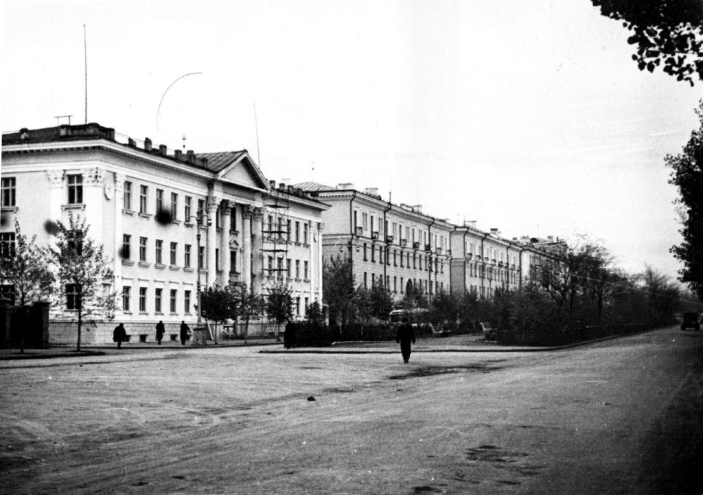 Кирова, 14